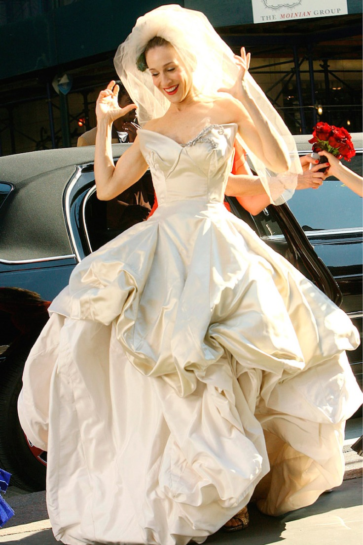 Most-Expensive-Items-Carrie-Bradshaw-Wore-Top-10-4.-Wedding-dress-18-1.jpg